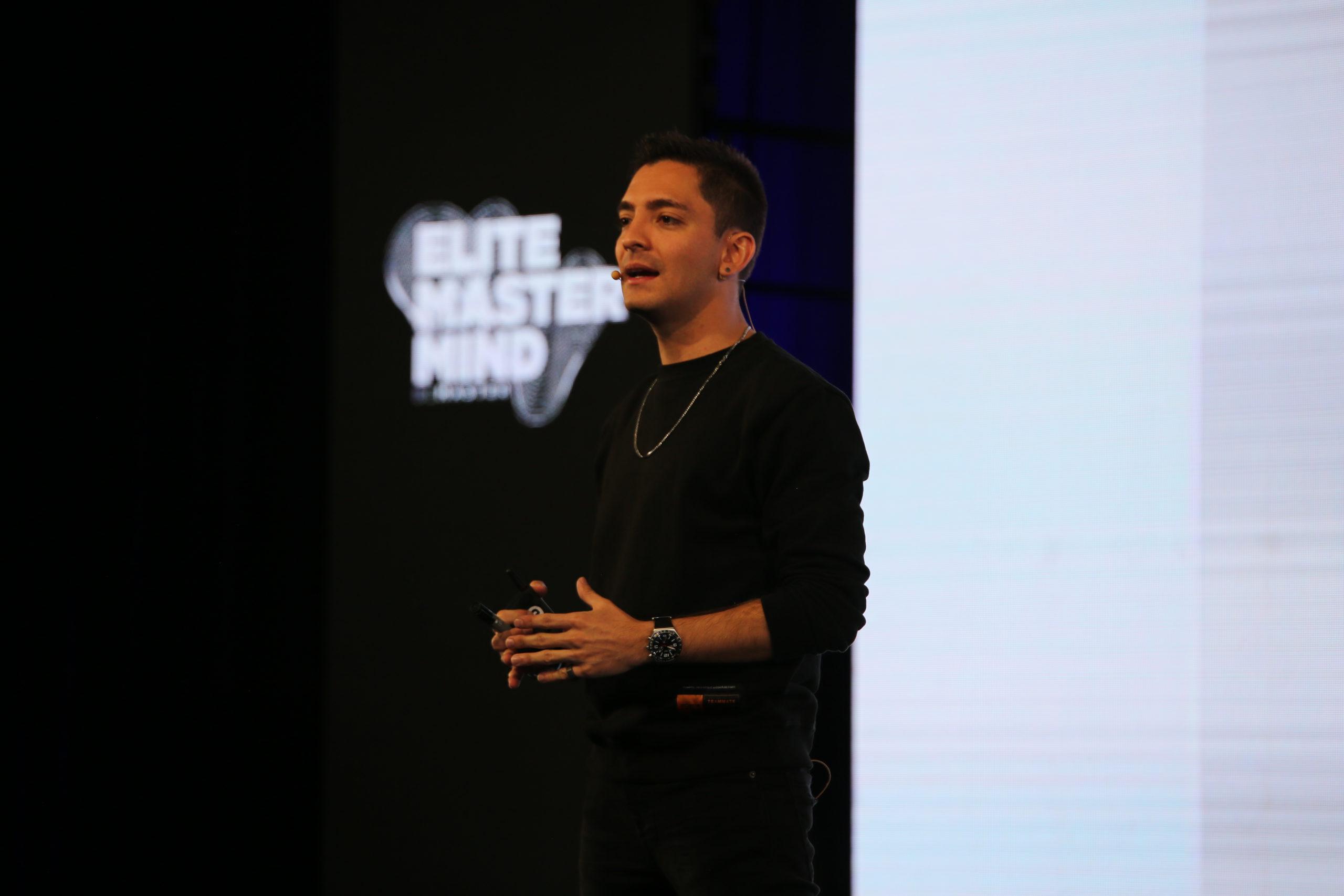 Así recibimos el Elite Mastermind, Mike Munzvil inaugura el evento en su primera versión